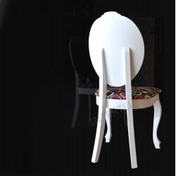 Eleganckie białe krzesło SONIA w stylu ludwikowskim